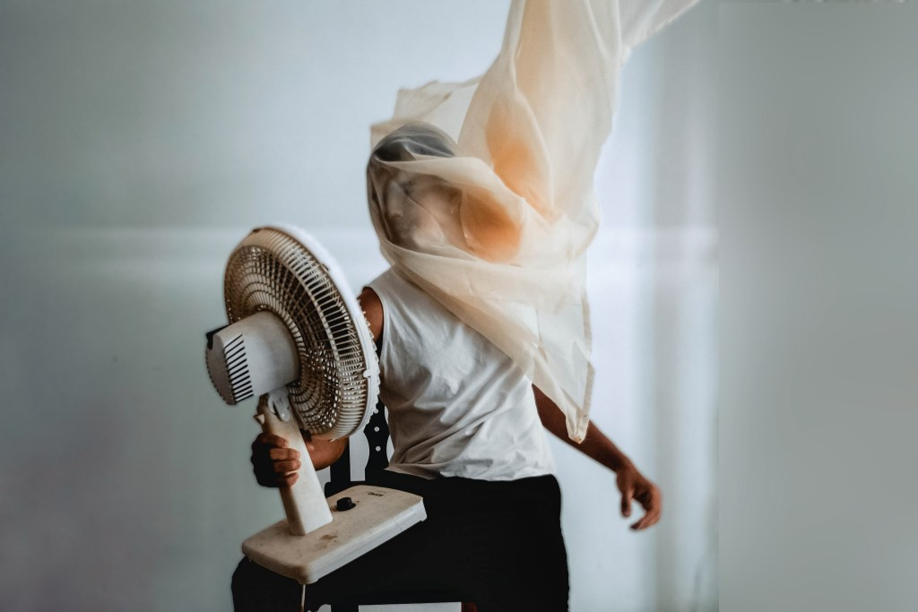 Sit in Front of a fan for Home Treatment of Heat Rash