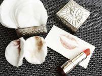Make-up, Lippenstift und Abschminkpads Zersetzt Make-up das Selbstwertgefühl? 1 healthandthecity.de