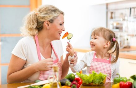 To develop healthy eating habits in a child ? start early and eat your vegetables