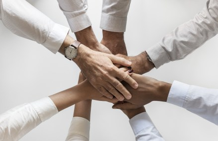 Advantages of Team Building to Improve Healthy Work Relationships