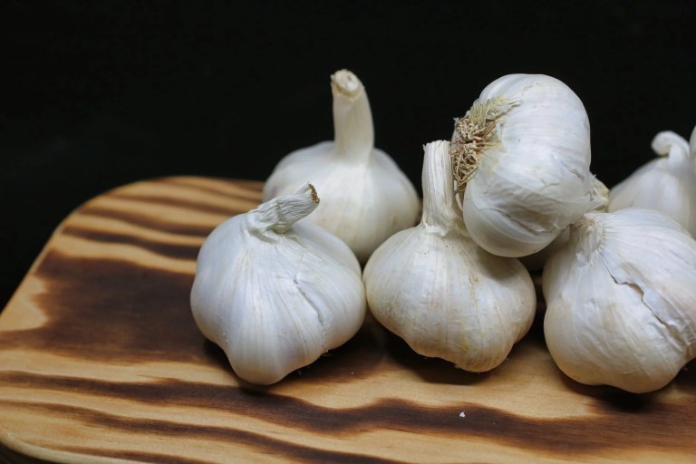 If You Eat Garlic and Honey on an empty stomach for 7 days, this is what is happening in your body.