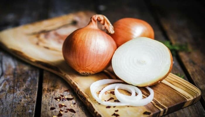 22 shocking health benefits of eating onions