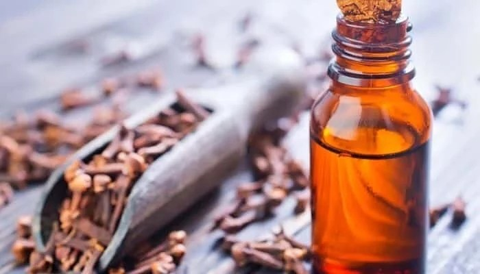 9 shocking health benefits of Clove oil.