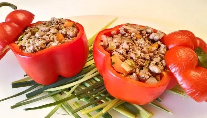 Pepper stuffed with ground meat