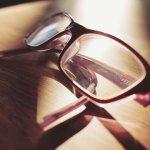 eyeglasses-698672_640.jpg
