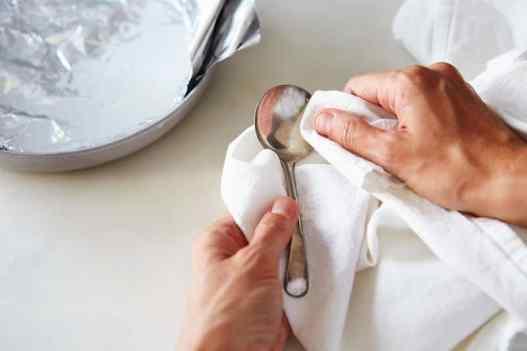 Washing Way of Silver Utensils