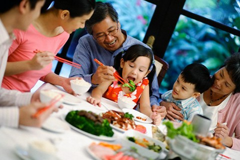 Helping children form healthy eating habits