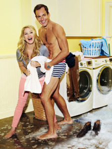 1348162217_christina-applegate-will-arnett-lg