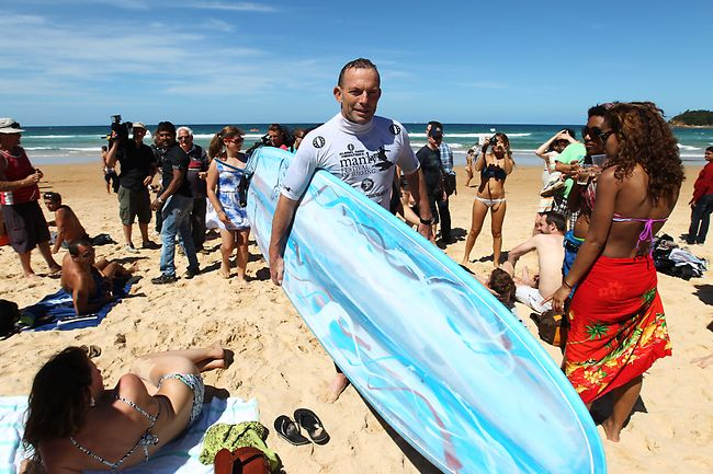 901564-tony-abbott-at-the-manly-surfing-festival