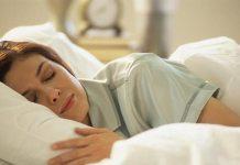 तनाव मुक्त नींद है ग्लोइंग स्किन और हेल्दी लाइफ का राज