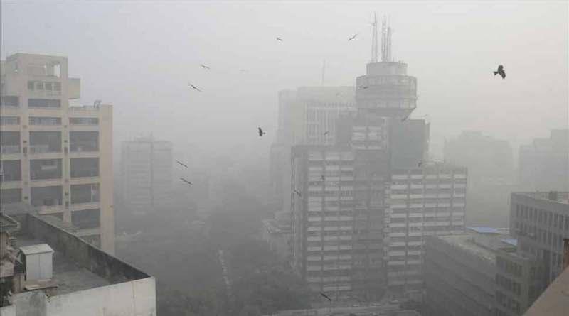 गैस चैंबर में तब्दील हुई दिल्ली की आबोहवा, सांस लेना तक हुआ दूभर