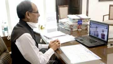 मुख्यमंत्री श्री चौहान ने कोटा से घर लौटे विद्यार्थियों से की बातचीत