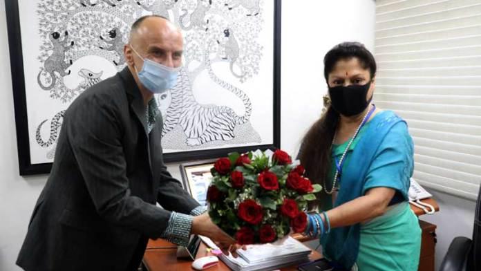 तकनीकी शिक्षा मंत्री श्रीमती सिंधिया से मिले ब्रिटिश काउंसिल के निदेशक डॉ. जोवान आइलिक