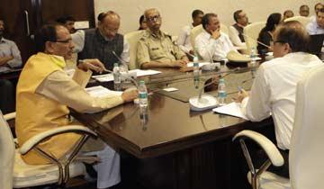 मुख्यमंत्री श्री चौहान ने की कोरोना वायरस से बचाव की तैयारियों की समीक्षा