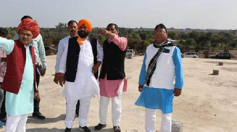 मंत्री श्री डंग ने आगर-मालवा और शाजापुर में सोलर पार्क स्थलों का किया निरीक्षण