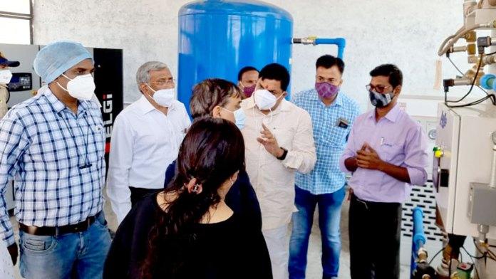 उच्च शिक्षा मंत्री डॉ. यादव ने उज्जैन में ऑक्सीजन प्लांट का किया निरीक्षण