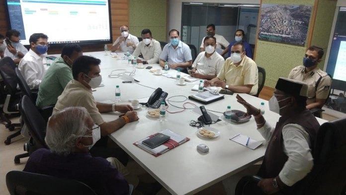 चिकित्सा शिक्षा मंत्री श्री सारंग ने की कोरोना नियंत्रण में किए जा रहे प्रयासों की समीक्षा