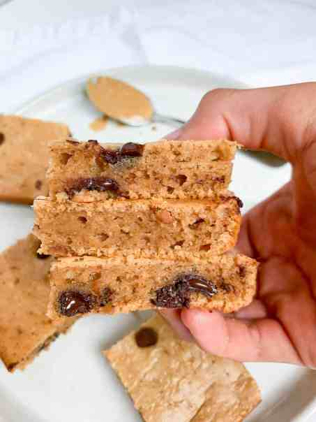 healthy flourless peanut butter blondies