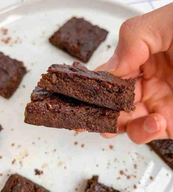 healthy fudgy avocado brownies