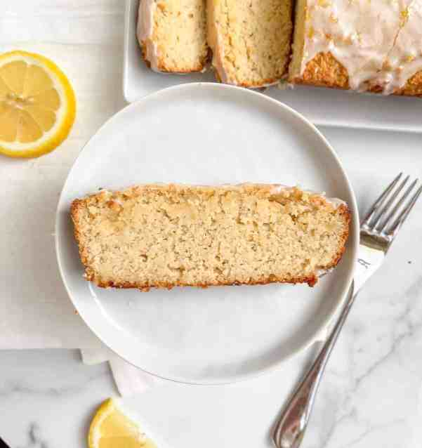 Easy and healthy lemon pound cake with glaze - recipe by Healthful Blondie