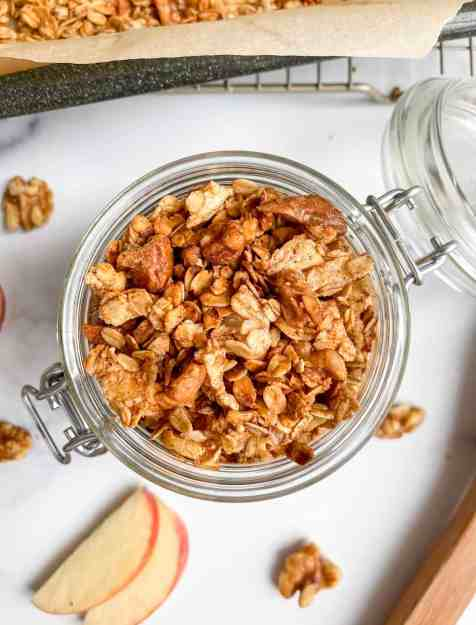 The Ultimate Healthy Homemade Apple Pie Granola - recipe by Healthful Blondie