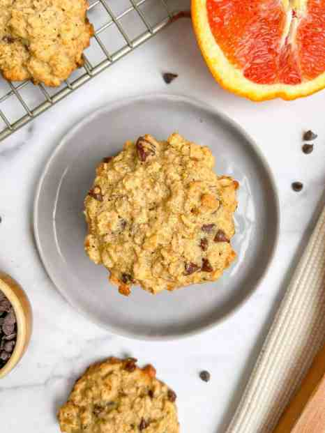 Best Chewy Orange Chocolate Chip Oatmeal Cookie that is healthy, gluten free, and dairy free. Recipe by Healthful Blondie