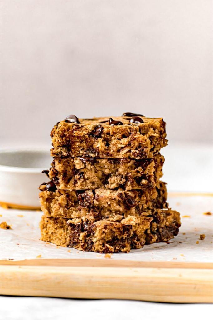 stack of 4 moist oatmeal bars
