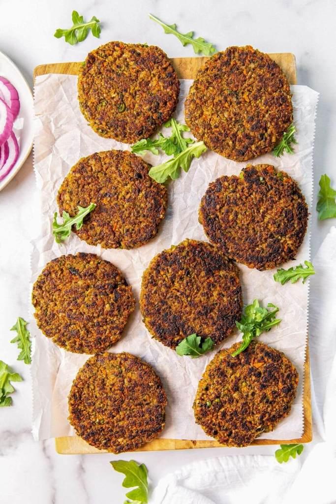 8 cooked veggie burger patties