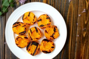 Sweet & Tangy Simple Grilled Apricots