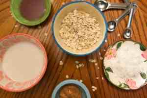 An amazing, and easy, overnight oats recipe. Only 5 ingredients!