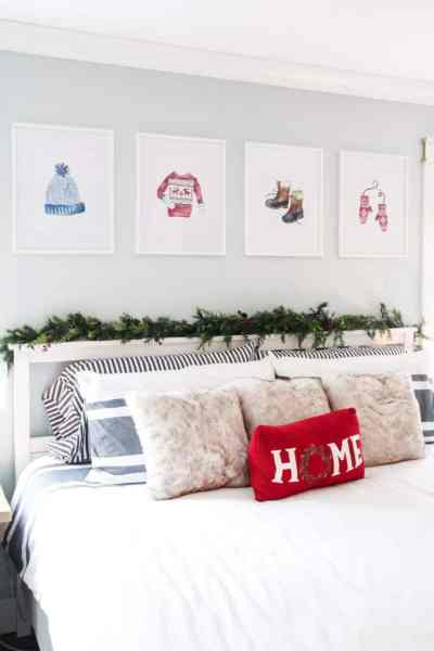 Come look at this adorable, yet simple, master bedroom Christmas decor. Plus, don't miss an opportunity to get your hands on these fabulous printable for free!