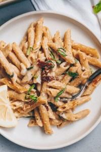 vegan cheesy pasta bake