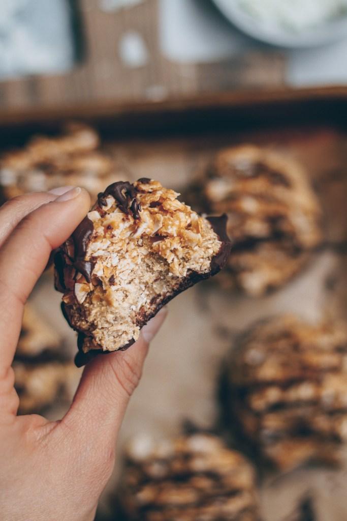 no-bake vegan samoa cookies