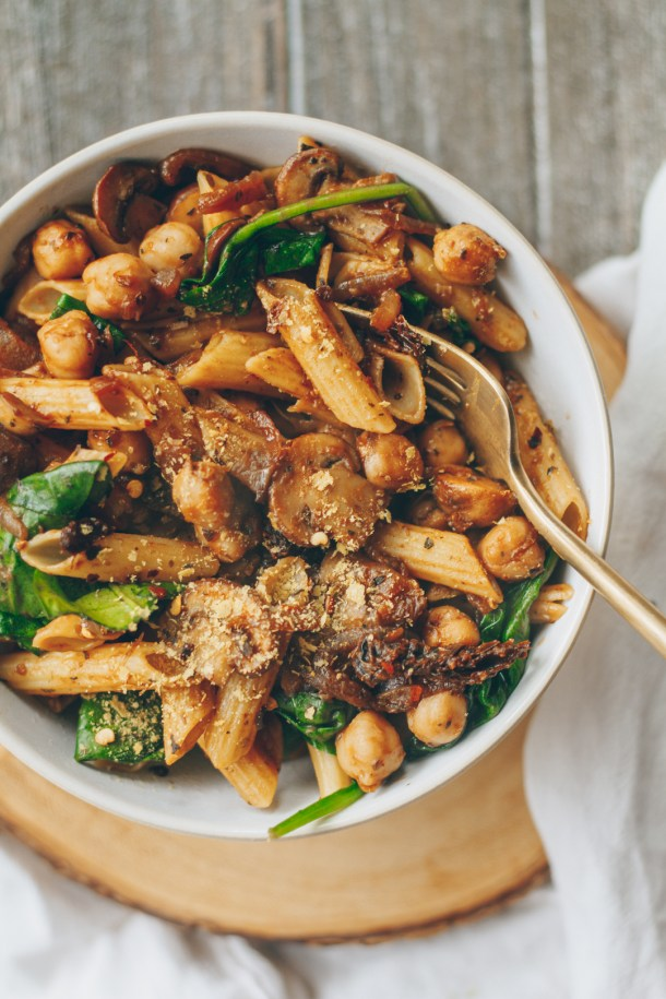 caramelized onion, mushroom, and chickpea pasta