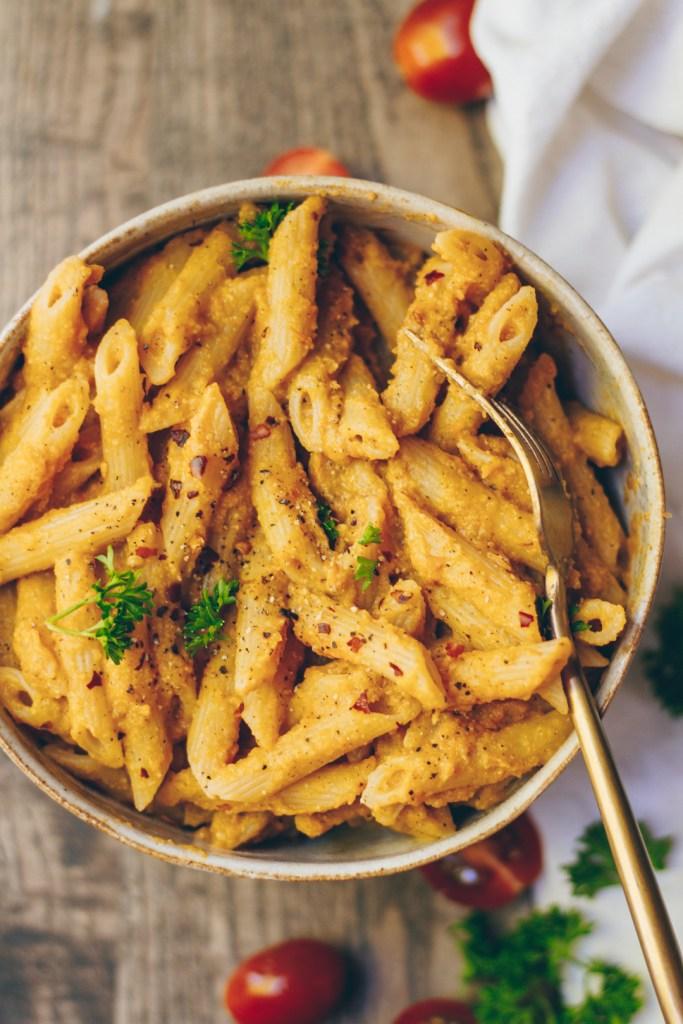 creamy roasted butternut squash and tomato pasta