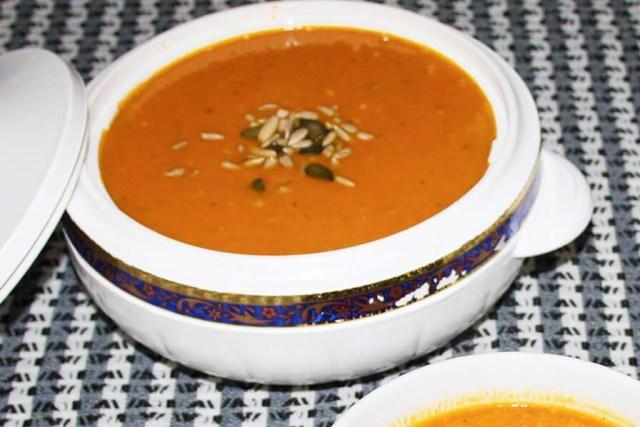 Kürbissuppe aus Kokosmilch und Ingwer