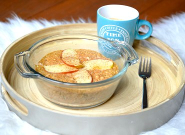 Apple pie carrot mug cake
