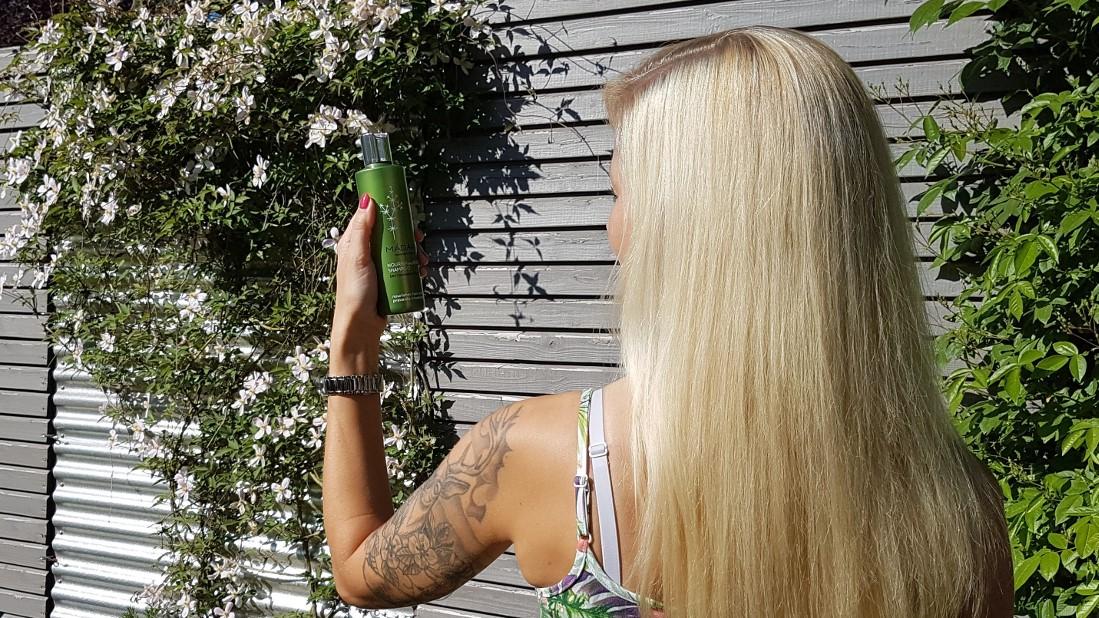 Naturkosmetik Test: MÁDARA Nourish & Repair Shampoo