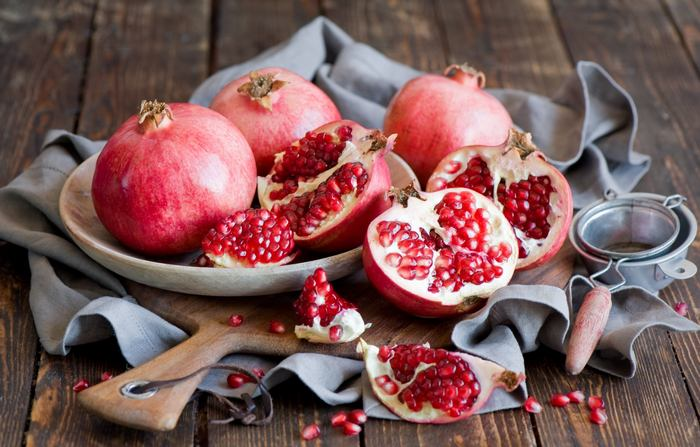 fruits for weight loss-pomegranate2