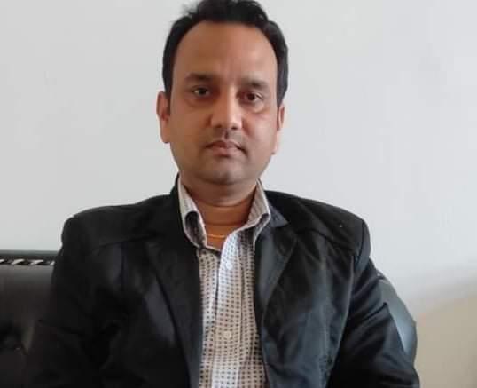 डा.संजय यादब बिभागीय प्रमुख एनेस्थेसिया तथा क्रिटिकल केयर प्रादेशिक अस्पताल जनकपुर