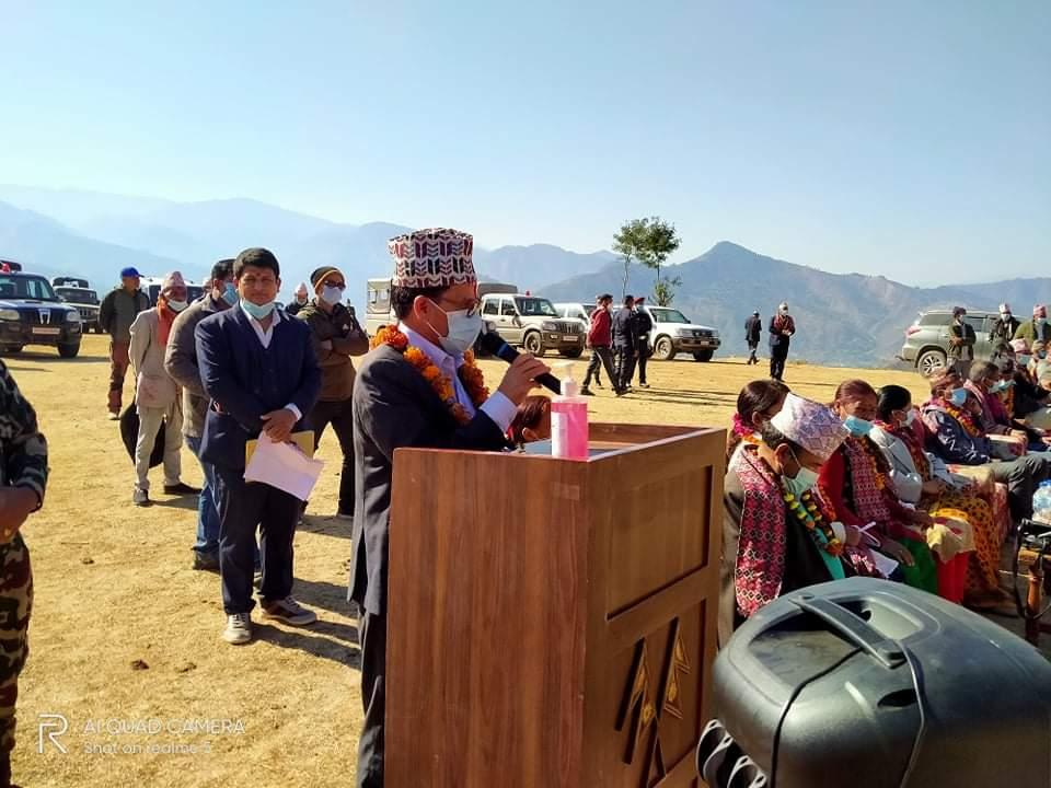 सुदुरपश्चिम प्रदेशका मुख्यमन्त्री त्रिलोचन भट्ट आफ्नो भनाई राख्दै