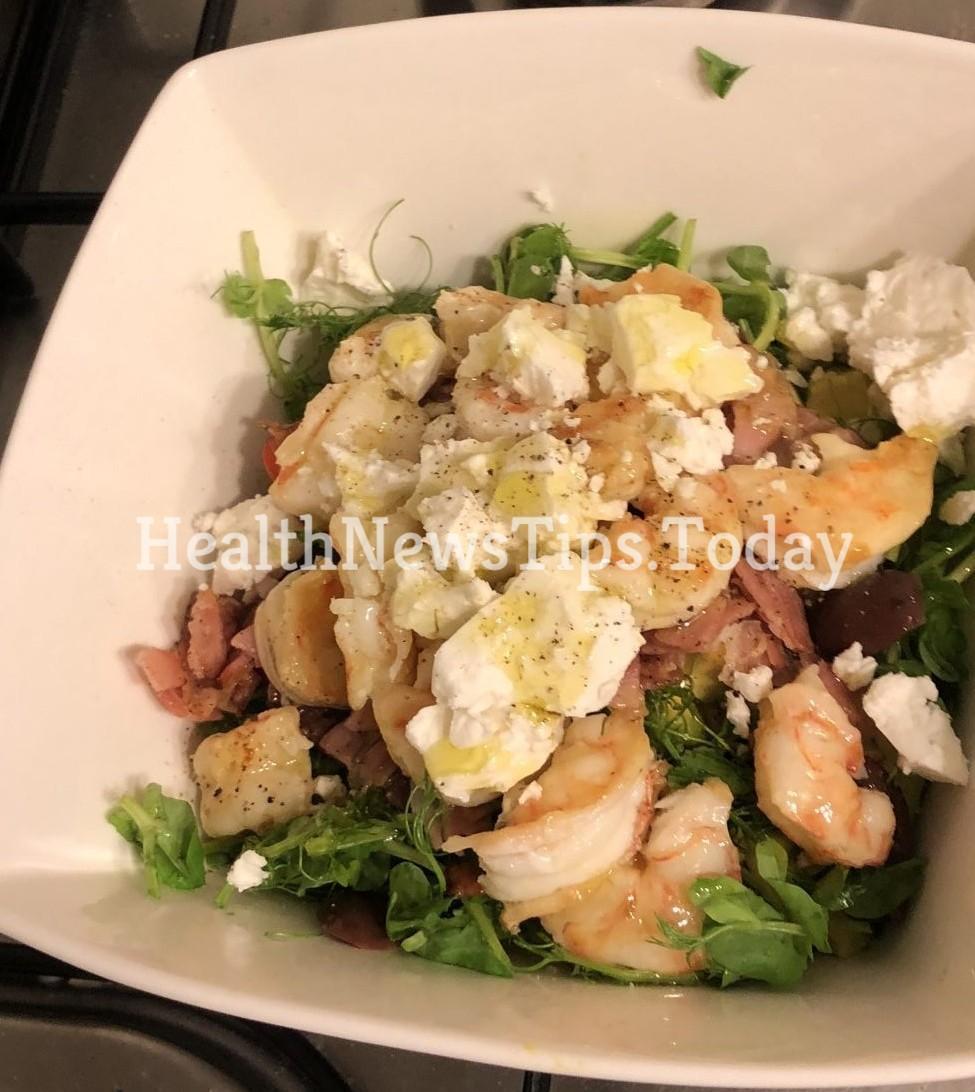 Mediterranean bacon and shrimps salad