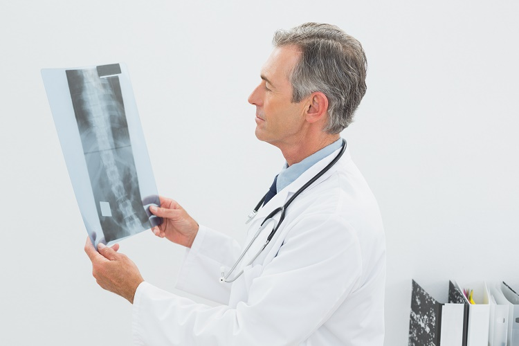 How is herniated disc diagnosed?
