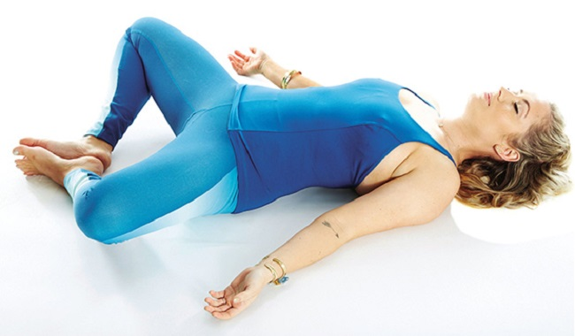 5 Easy Yoga Poses for Insomnia to De-Stress Your Body And Help You Sleep