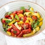 tomaten-paprika-bladsellerie-salade