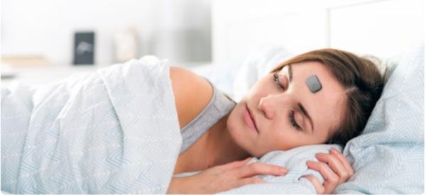 Dual Sensor Wearable Monitors Your Sleep