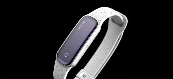 Mother Smartband Monitors Biometrics Without Recharging
