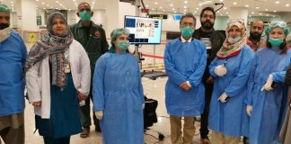 Pakistani doctors ar working hard in fight against corona virus