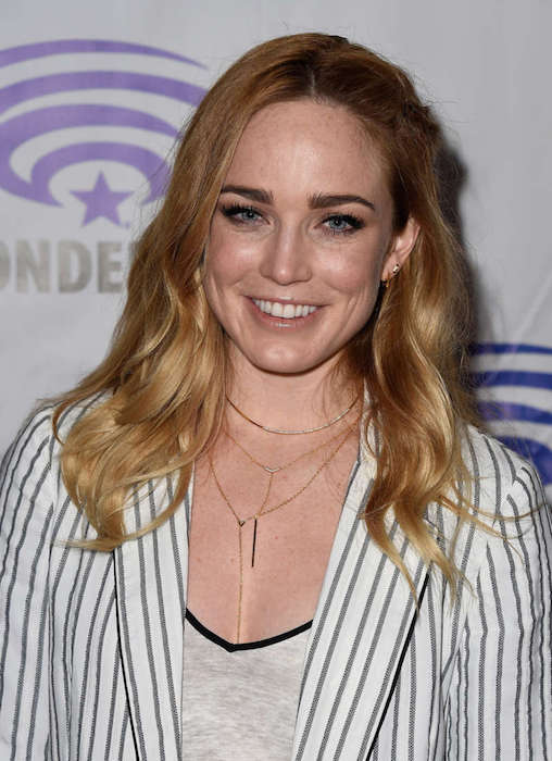 caity lotz height weight