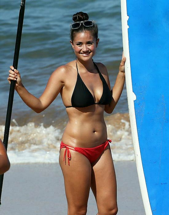 Catherine Lowe Height Weight Body Statistics  Healthy Celeb
